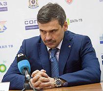 Dmitri Kvartalnov 2012-11-22 Amur—Sibir KHL-game.jpeg