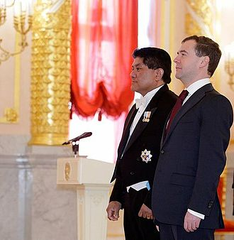 Sione Ngongo Kioa - Sione Ngongo Kioa presents his credentials to Russian President Dmitry Medvedev on 5 February 2010.