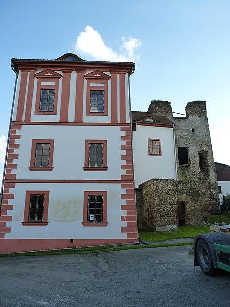 hrad Dobrš