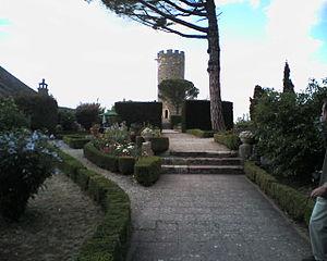 Turenne, Corrèze - Image: Donjon de turenne