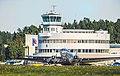 Douglas DC-3 Helsinki-Malmin lentoasemalla.jpg