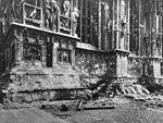 Duomo (Milan) after allied bombing 1943 02.jpg