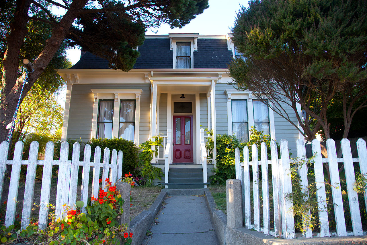 File e p and clara gillmore house wikimedia commons for Clara house