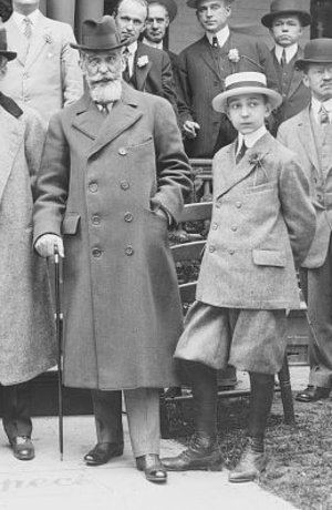 Eduardo Suárez Mujica - Suárez and son at the Niagara Falls peace conference in 1914