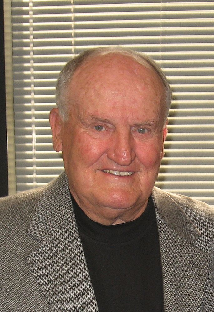 LaVell Edwards dead photo
