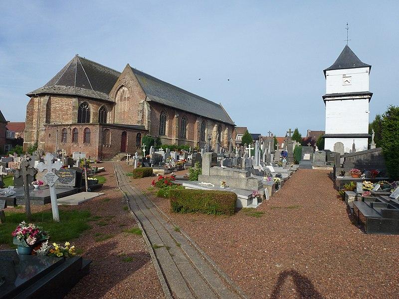 Eecke (Nord, Fr) l'église et le klockhuis