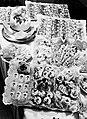 Een buffet, Bestanddeelnr 252-1320.jpg