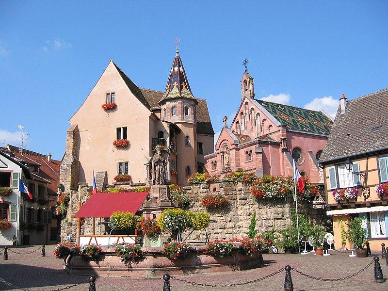 File:Eguisheim chateau.JPG
