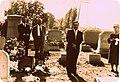 El Rotary Club Argentina dejando placa en la tumba de Miss Clara Jeanette Armstrong.jpg