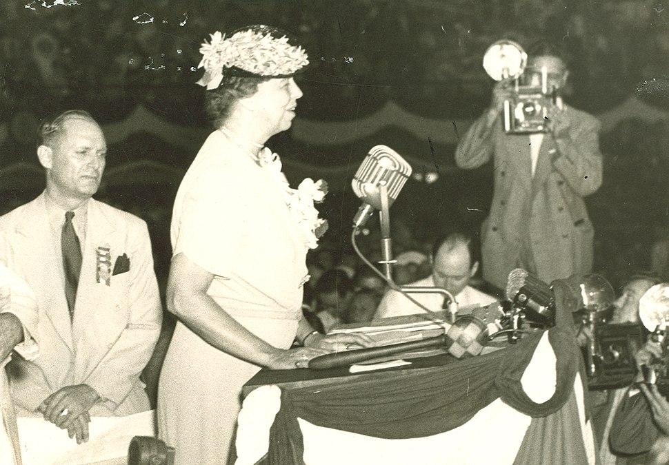 Eleanor Roosevelt addresses Democratic National Convention, Chicago, Illinois. July 18, 1940