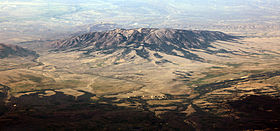 Elk Mountain (Wyoming) oblique aerial.jpg