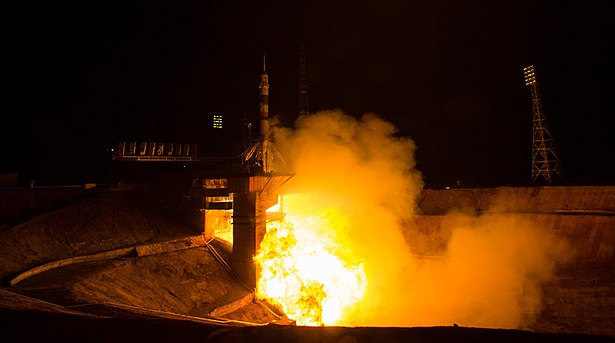 Expedition 47 Launch (NHQ201603190004).jpg