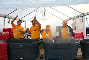 Greensburg, KS June 4, 2007 - Members of the K...