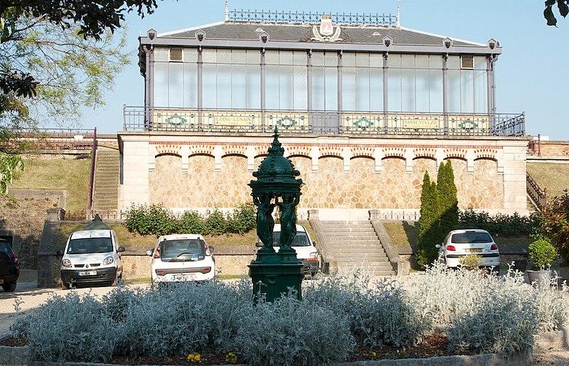 Fichier:Fontaine Wallace réservoir de Montsouris.jpg
