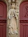 Fr Josselin Basilique Notre-Dame-du-Roncier Virgin Mary statue on portal.jpg