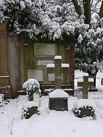 Frankfurt Hauptfriedhof Launitz.JPG