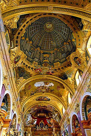 Trompe-l'œil - Fresco with trompe l'œil dome painted on low vaulting, Jesuit Church, Vienna, by Andrea Pozzo, 1703