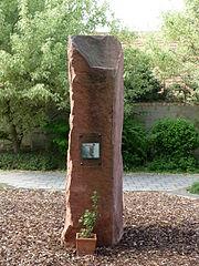 Gedenkstein fuer Guellich 1