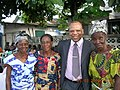 Georges Alula et les mamans de Kasa-Vubu.JPG