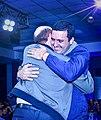 Gildo y Eber dándose el abrazo de la victoria.jpg