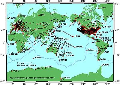 Vectores de velocidad de las placas tectónicas obtenidos mediante posicionamiento preciso GPS