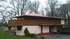 Gordon House (Silverton, Oregon) - Image: Gordon House entry exterior 2007 12 23 16 01 22 0105