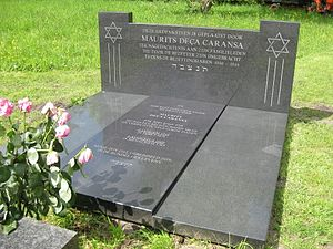 Maup Caransa - Caransa's gravestone, with a memorial stone he had raised in remembrance of his family members who died in the Holocaust
