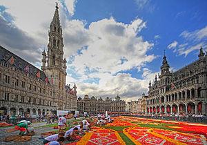 Flower Carpet - Volunteers create the Flower Carpet tapestry
