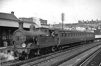 Gravesend railway station - Auto-train for Allhallows-on-Sea in 1959