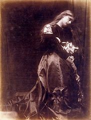 Gretchen, by Julia Margaret Cameron.jpg