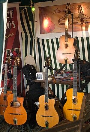Selmer guitar - Image: Guitares type Selmer Maccaferri
