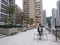HK 荃灣 Tsuen Wan 白田壩街 45 Pak Tin Par Street 南豐紗廠 The Mills mall roof December 2018 SSG high tables n chairs 03.jpg