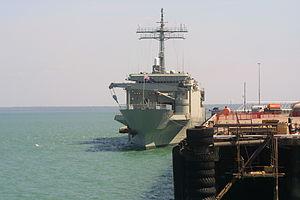 HMAS Kanimbla (L 51) - HMAS Kanimbla at Darwin in July 2006