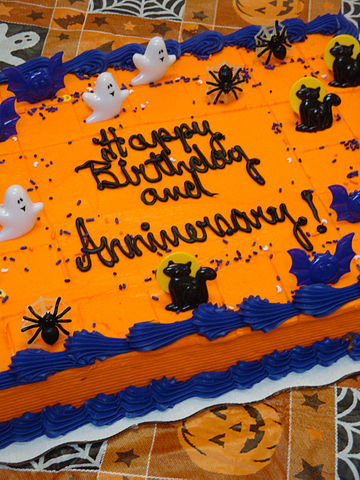File Halloween Birthday And Anniversary Cake With Spiders