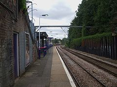 Harringay station northbound look south.JPG