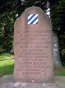 présentation 220px-Haut_Jacques-Monument2