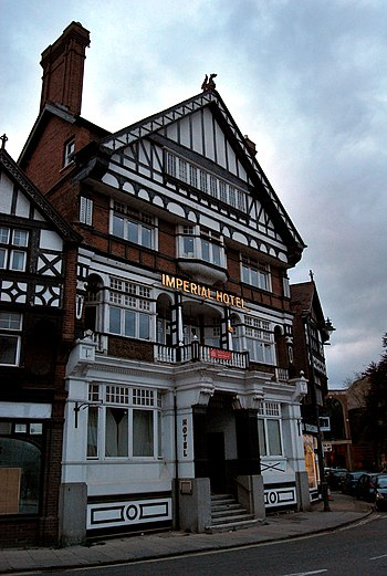 English: Henley on Thames Imperial Hotel with ...