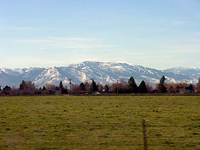 A photo of the Albion Mountains viewed from Heyburn in winter