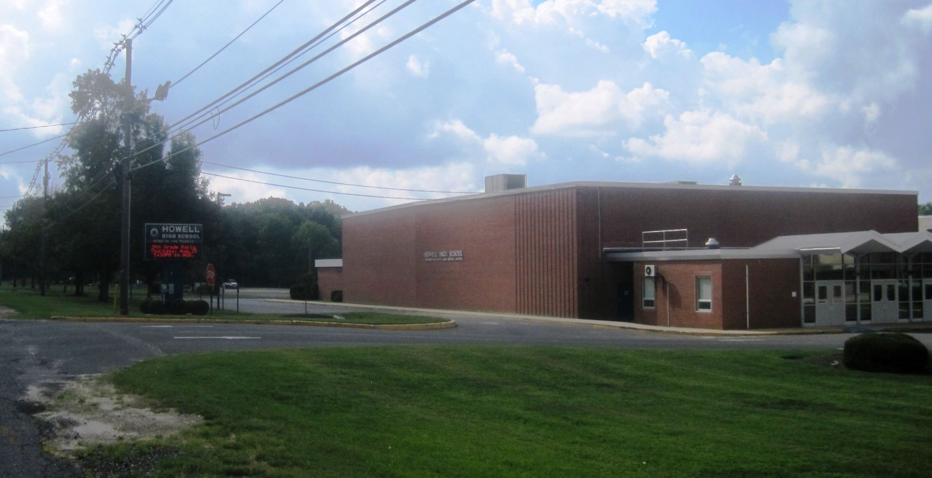 1920px-Howell_High_School%2C_NJ.jpg