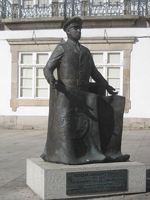 Humberto Delgado - Sculpture of Humberto Delgado (Porto)