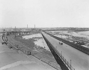 Intercity Viaduct - The Intercity Viaduct in 1908, streetcar tracks in view at right. Lewis and Clark Viaduct not yet built