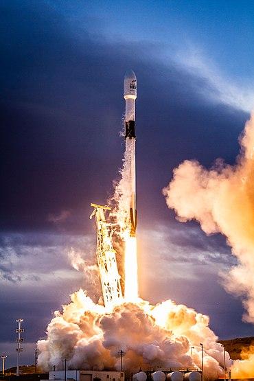 Iridium-8 Mission (39745613733).jpg