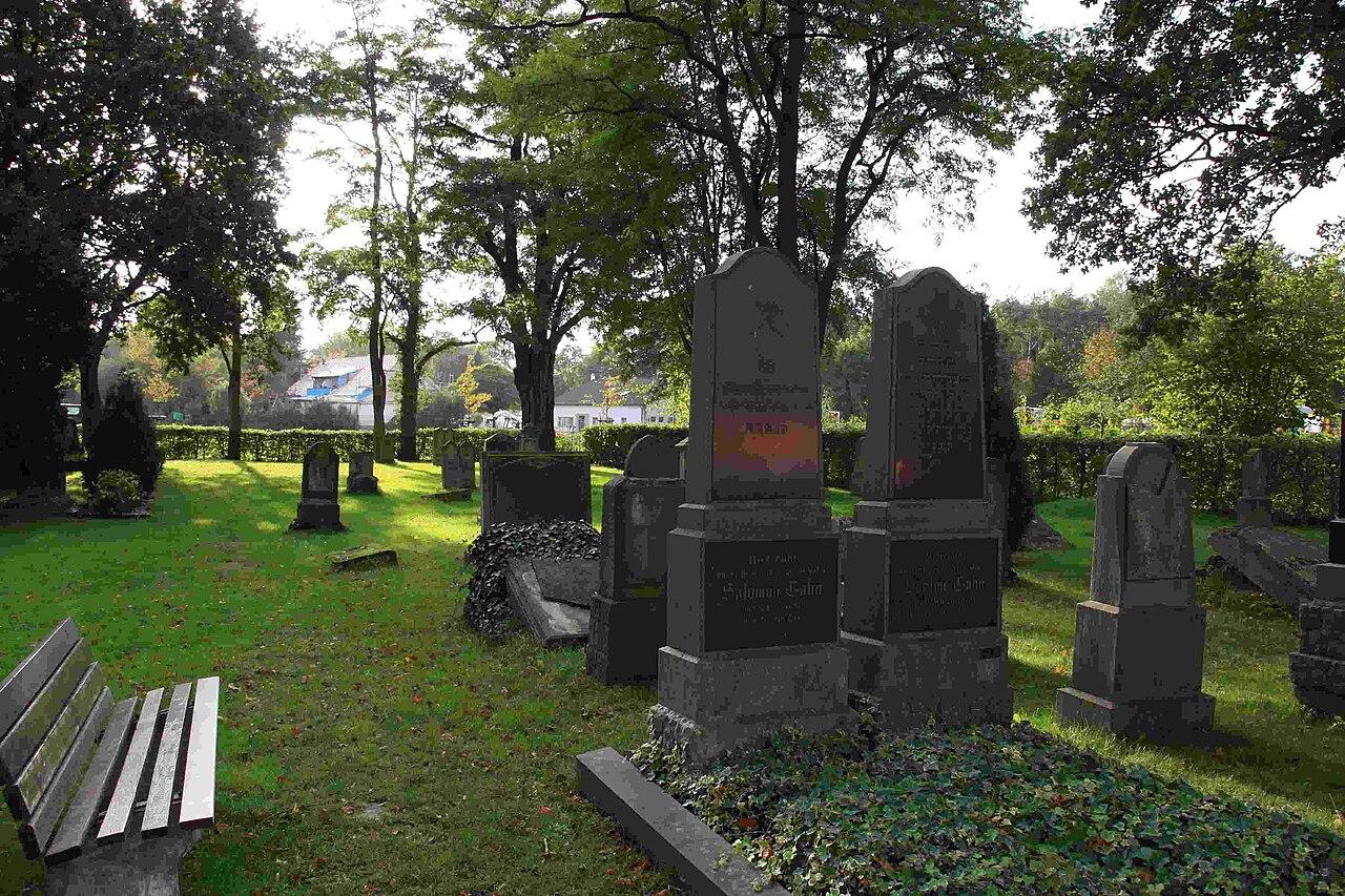 Jüdischer Friedhof Kerpen 03.JPG
