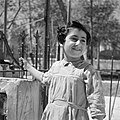 Jemenitisch weesmeisje bij een hek, Bestanddeelnr 255-0458.jpg