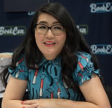 Jenny Han at BookCon - 2019 (26746) (cropped).jpg