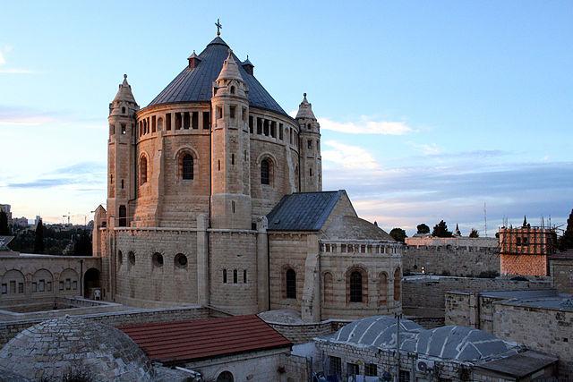 https://upload.wikimedia.org/wikipedia/commons/thumb/7/7c/Jerusalem_-_Abbaye_de_la_Dormition.jpg/640px-Jerusalem_-_Abbaye_de_la_Dormition.jpg