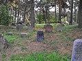 Jewish cemetery in Rakov 1b.jpg