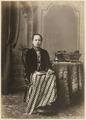 KITLV 10003 - Kassian Céphas - Javanese women in court dress, belonging to the family of Hamengkoe Buwono VII sultan of Yogyakarta - Around 1885.tif
