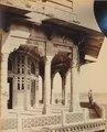 KITLV 91982 - Samuel Bourne - Zenana (women's quarters) in Agra Fort in Agra in India - Around 1860.tif