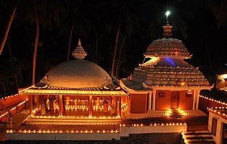 Karthikai Deepam - Nizhal Thangal, Attoor decorated with Agal vilakkus during the Karthikai Deepam celebrations  on 2013-11-16